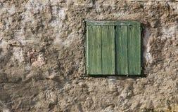 Vecchi otturatori di legno verdi Immagini Stock Libere da Diritti