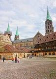 Vecchi palazzo e cattedrale di Bamberga nel centro urbano di Bamberga Germania Immagini Stock Libere da Diritti