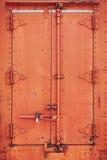 Vecchi portelli d'acciaio arrugginiti del vagonetto Immagini Stock