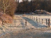 Vecchi portone e paesaggio di inverno Fotografia Stock