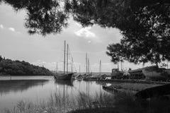 Vecchi retro pescherecci di legno d'annata in seca, Slovenia immagine stock libera da diritti