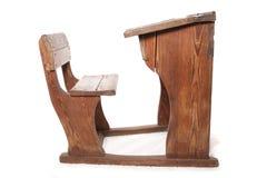 Vecchi scrittorio e sedia d'annata della scuola Fotografia Stock Libera da Diritti