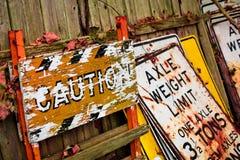 Vecchi segni fotografie stock libere da diritti