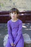 vecchi sette anni della ragazza arrabbiata fotografia stock libera da diritti