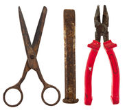 Vecchi strumenti isolati: forbici, scalpello, pinze Immagini Stock