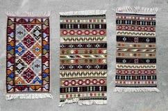 Vecchi tappeti rumeni tradizionali della lana Fotografia Stock Libera da Diritti