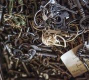 Vecchi tasti di scheletro fotografia stock libera da diritti