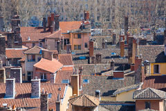 Vecchi tetti della città di Lione Fotografie Stock Libere da Diritti