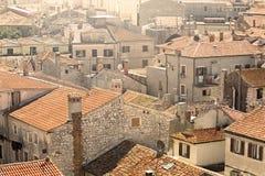Vecchi tetti rossi croati della città Immagini Stock Libere da Diritti