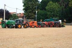 Vecchi trattori fotografie stock libere da diritti