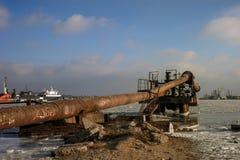 Vecchi tubi in porto Immagini Stock Libere da Diritti