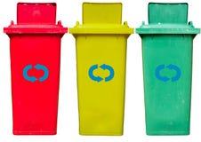 Vecchi usati riciclano i recipienti isolati Immagine Stock