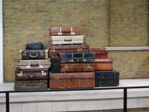 Vecchi valigie e bagagli d'annata Fotografia Stock Libera da Diritti