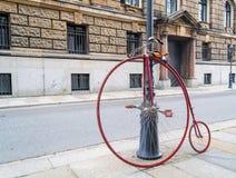 Vecchia alta bicicletta del carraio Immagine Stock Libera da Diritti
