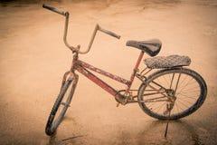 Vecchia annata della bicicletta Immagine Stock