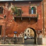 Vecchia architettura di costruzione a Genova, Italia fotografie stock libere da diritti
