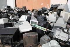 Vecchia attrezzatura elettronica utilizzata ed obsoleta Immagini Stock