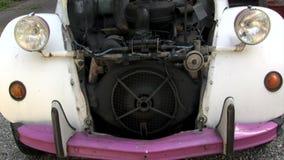 Vecchia automobile stock footage