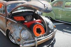 Vecchia automobile arrugginita Fotografie Stock