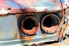 Vecchia automobile arrugginita immagine stock libera da diritti