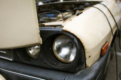 Vecchia automobile comunista rumena Immagini Stock Libere da Diritti