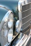 Vecchia automobile del faro Fotografia Stock