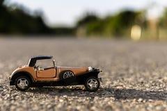 vecchia automobile del giocattolo di 1900s Fotografie Stock Libere da Diritti