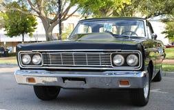 Vecchia automobile di Ford Fairlane Fotografie Stock