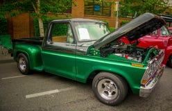 Vecchia automobile piacevole alla manifestazione di automobile fotografie stock