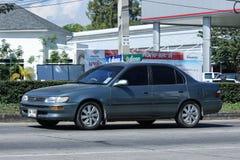 Vecchia automobile privata, Toyota Corolla immagini stock