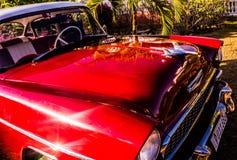 Vecchia automobile rossa immagine stock