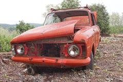 Vecchia automobile rovinata Immagini Stock