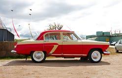 Vecchia automobile sovietica Volga GAZ-21 Fotografie Stock Libere da Diritti