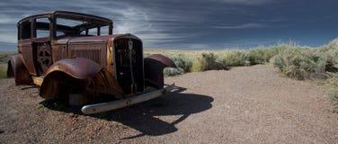 Vecchia automobile su 66 Immagine Stock