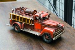 Vecchia autopompa antincendio del giocattolo Fotografia Stock