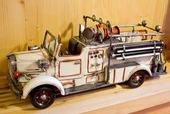 Vecchia autopompa antincendio del giocattolo Fotografia Stock Libera da Diritti