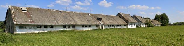 Vecchia azienda agricola abbandonata   Immagine Stock Libera da Diritti