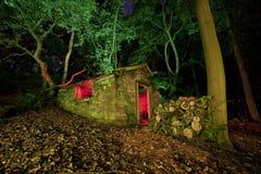 Vecchia baracca alla notte Fotografia Stock