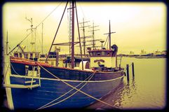 Vecchia barca che resta nel porto di Helsinki in Finlandia Fotografia Stock