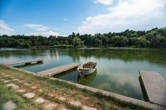 Vecchia barca di fila di legno Fotografia Stock Libera da Diritti