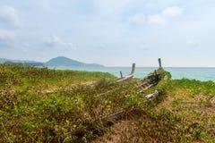 Vecchia barca di legno abbandonata del relitto Immagini Stock