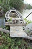Vecchia barca di legno in canale Fotografia Stock Libera da Diritti