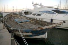 Vecchia barca nel porto Fotografie Stock