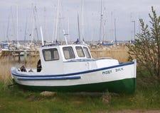 Vecchia barca su una riva Fotografia Stock