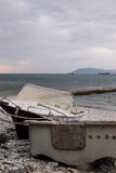 Vecchia barca sulla spiaggia Fotografie Stock