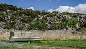 Vecchia barca a vela sulle ruote Fotografie Stock