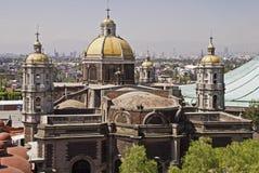 Vecchia basilica di Guadalupe a Messico City immagini stock libere da diritti
