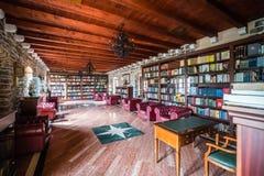 Vecchia biblioteca nel museo in Budua immagini stock