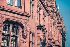 Vecchia biblioteca nella città universitaria nella città di Heidelberg in Germania Vista storica fotografie stock libere da diritti