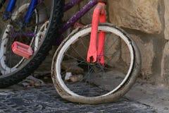 Vecchia bici immagini stock